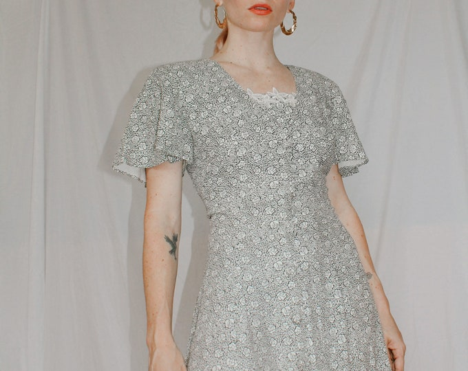 Vintage 80s/90s | Floral Outline Dress