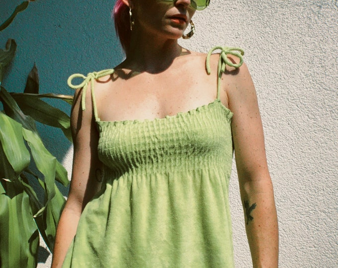 VTG 90s Green Terrycloth Smocked Top