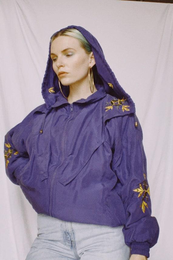 Vintage 80s | Violet Embroidered Hooded Silk Bombe