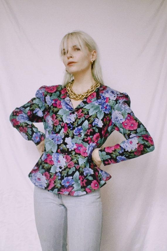 ON SALE Vintage 80s 90s Floral Revival Linen Blend Blazer Mother Pearl Single Button S