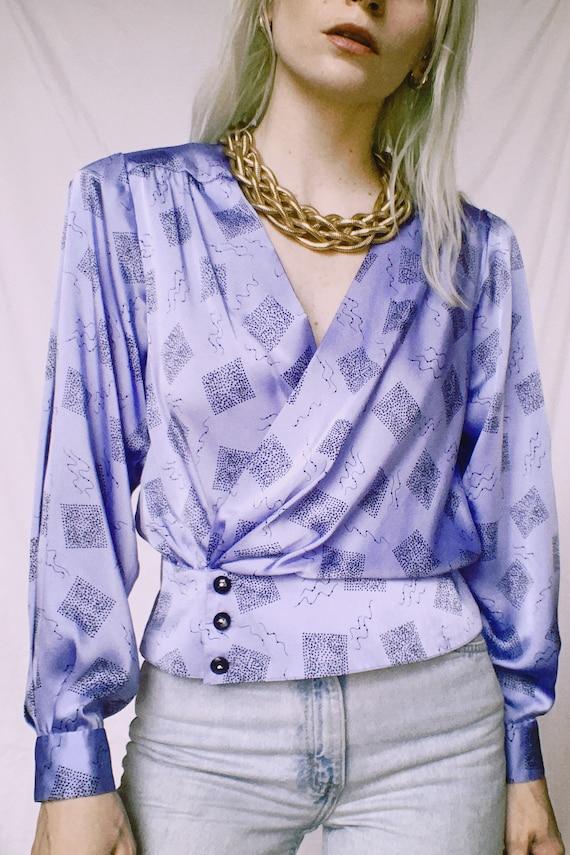 Vintage 80s | Lilac Printed Satin Blouse - image 3