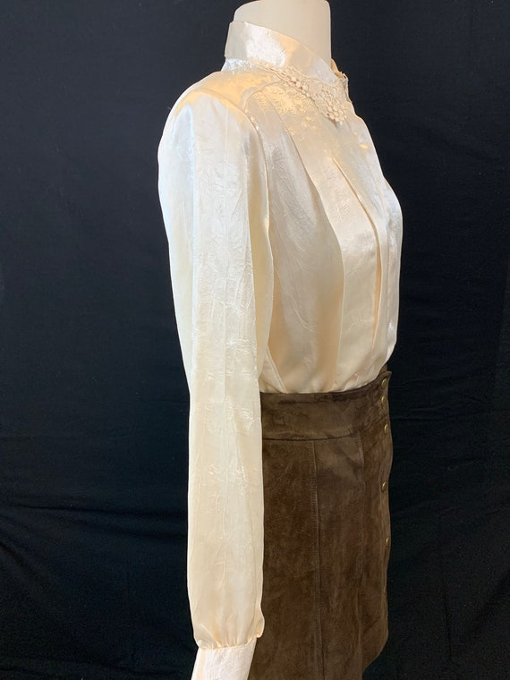 Romantic satin and lace blouse - image 5
