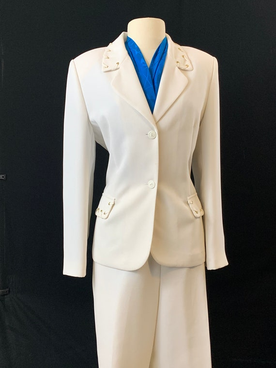 Mary McFadden Inaugural White Pant suit