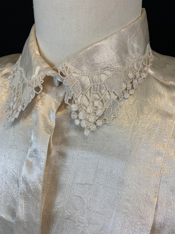 Romantic satin and lace blouse - image 6