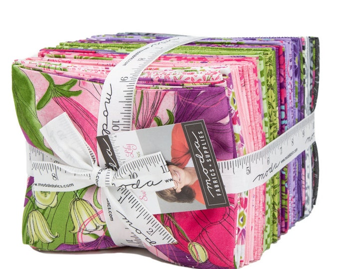 Featured listing image: Sweet Pea & Lily Fat Quarter Bundle by Robin Pickens for Moda