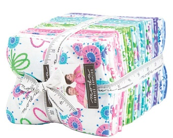 FREE SHIPPING Flower Sacks Fat Quarter Bundle by Me and My Sister for Moda