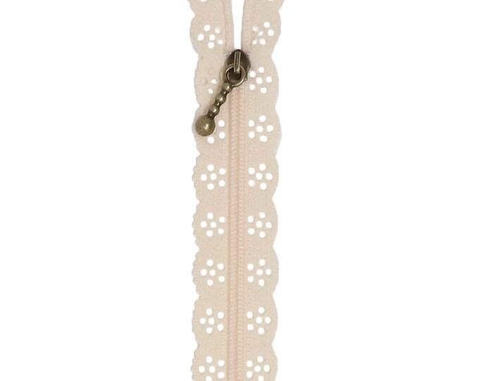 Kimberbell Lace Zipper - Buttermilk