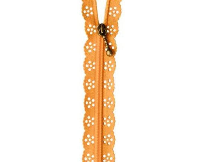 Kimberbell Lace Zipper - Apricot