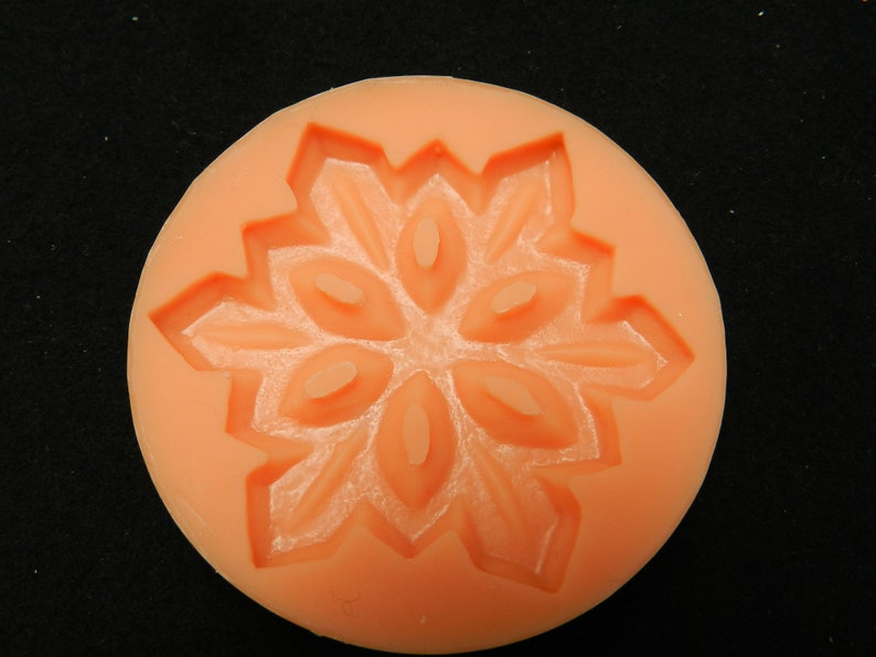 Silicone mold molded snowflake 5.8 cm mold ice crystal mold from silicone star Christmas concrete form Fondantform plaster