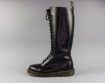 eeb2855823899 Vintage 20 Hole Doc Martens | Made in England | Dr Martens Boots | Size US  10 UK 8 Euro 40 - 41