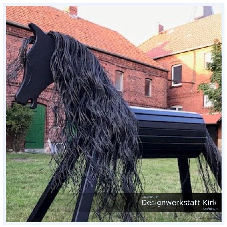 Holzpferd Drago 90 cm in schwarz Spielpferd Das Premium Voltigierpferd