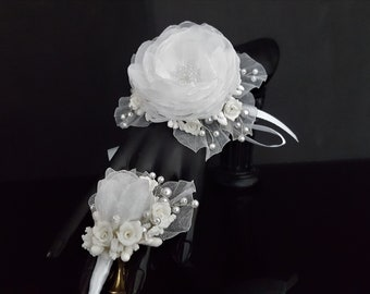 Wrist Corsage, Wedding Corsage,Bridesmaid with Matching Boutonniere, Wedding Set, Corsage and Badge Set.