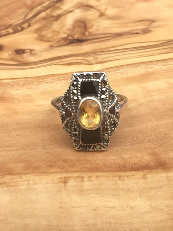 Vintage Silver, Citrine and Onyx Ring. Size 7