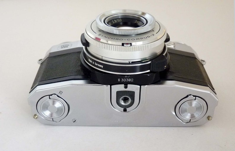Zeiss Ikon Contaflex Super obj  CarlZeiss Tessar 1:2 8/50 with leather bag  for film 24x36