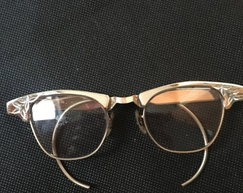8af15162ad5 Vintage 1950 s Silver Cat Eye Glasses with round ears