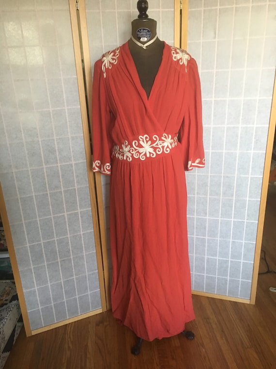 Vintage 1940's Coral Pink Red and White Crepe Wrap