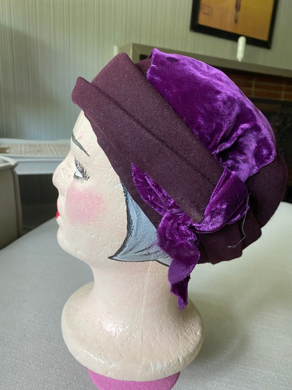 Vintage 1940's PUrple WOol HAt WIth VElvet