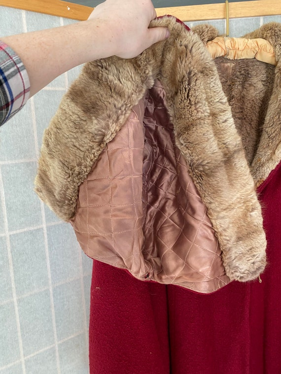 Vintage 1930's red heavy coat with real brown fur… - image 2