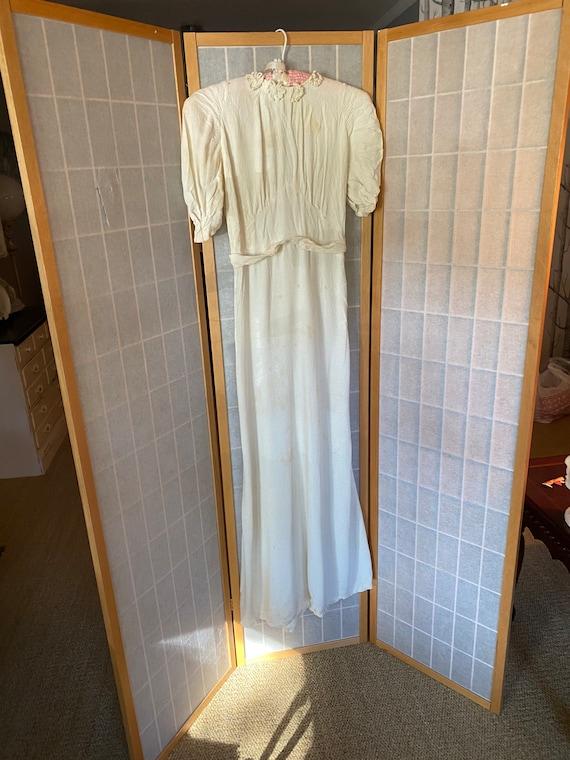 Vintage 1930's white cream slinky dress