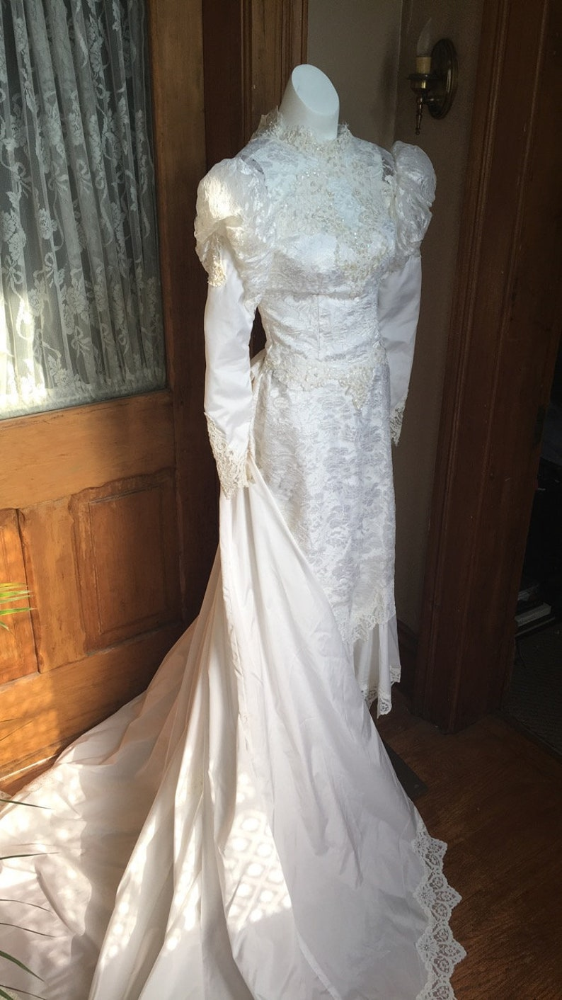 vintage 1980's wedding gown