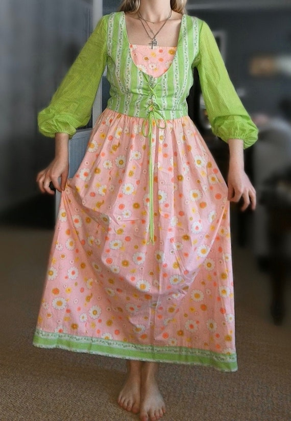 Vintage 1970's Lime Green And Peach Pink Lace Up P