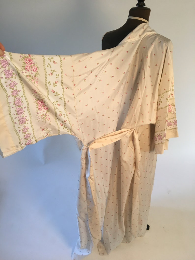 Vintage 1980/'s Beige White and Pink Floral Strappy Night Gown with Matching Robe Set Size mediumlarge