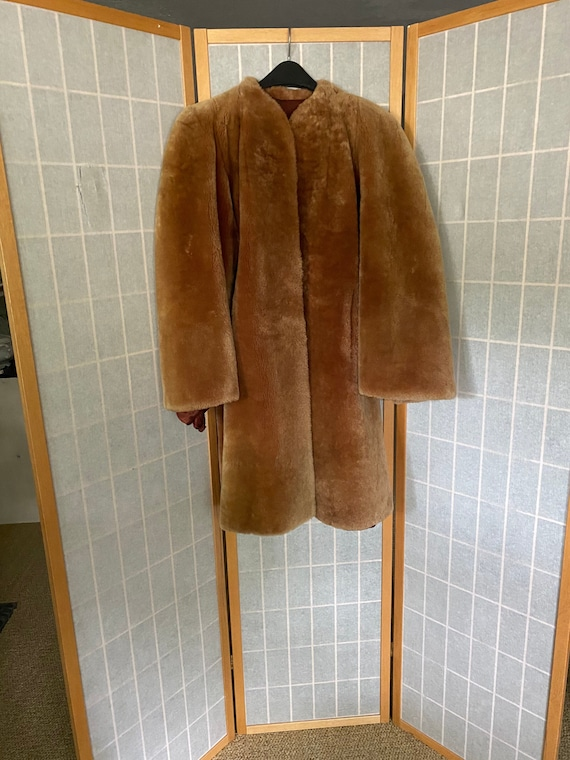 Vintage 1930's gold mouton fur coat with bishop sl