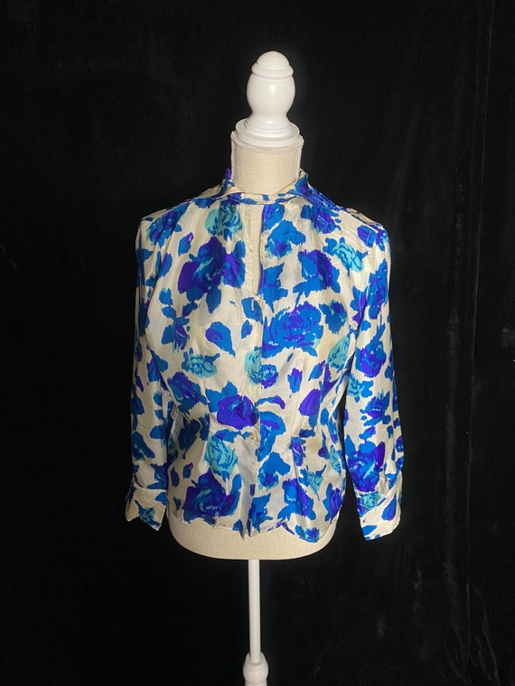 Vintage 1950's white and two tone blue rose blouse