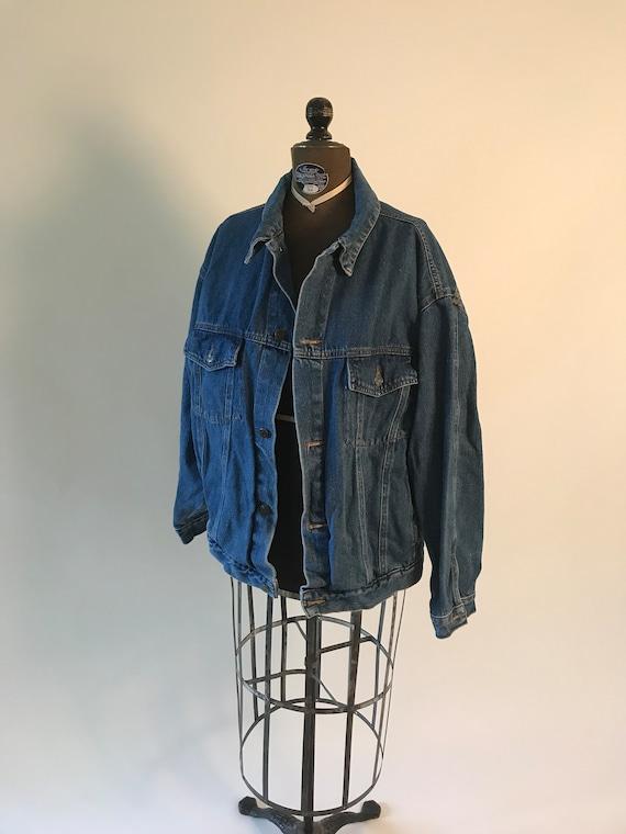 Vintage 1980s 1990s denim blue jean jacket with po
