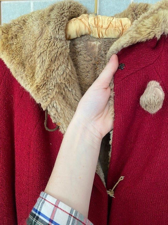 Vintage 1930's red heavy coat with real brown fur… - image 5