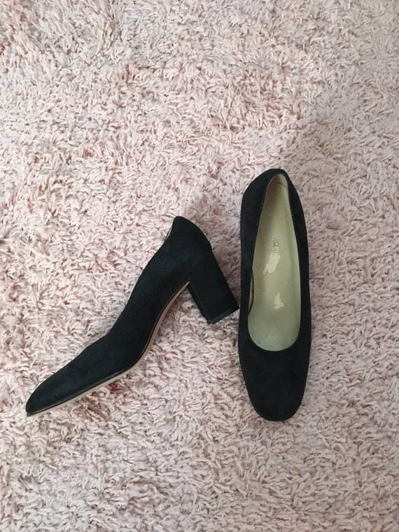 Vintage Black Thick Heel Size 6 High Heel Shoes