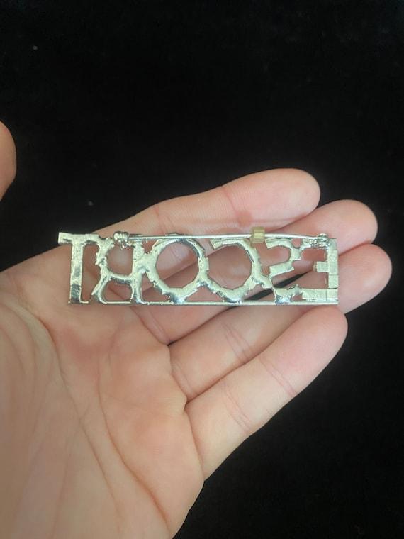Vintage 1980's silver rhinestone novelty pin, fun… - image 4