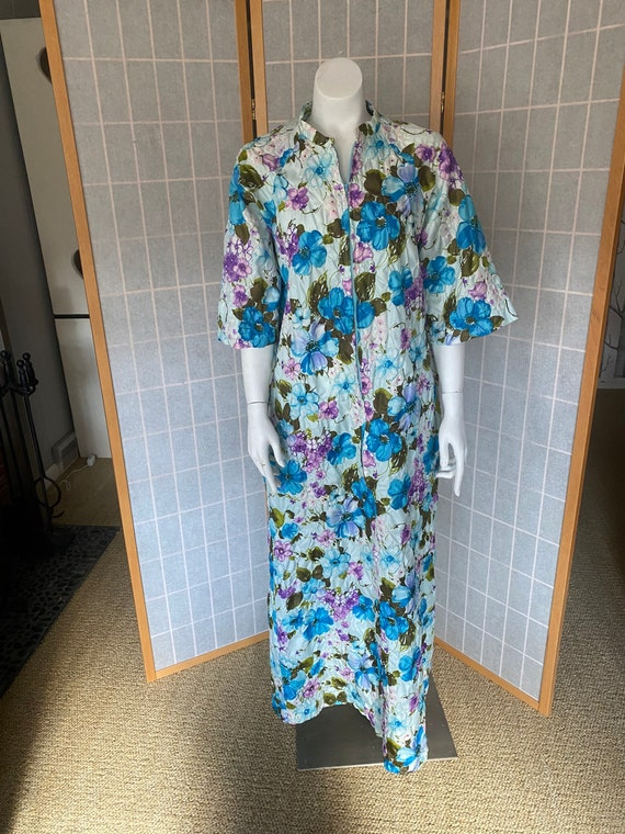 Vintage 1960's Barbara Lee blue and purple floral
