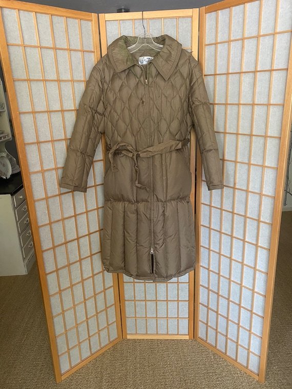 Vintage 1970's quilted puffy brown coat, size medi