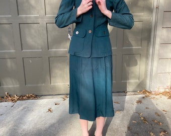 Vintage 1940's forest green blazer and skirt suit set, weather match by Bobbie brooks