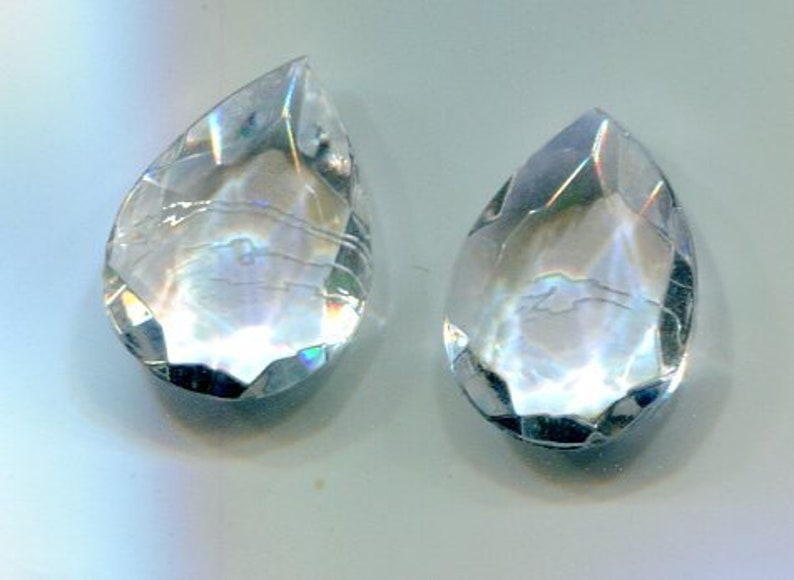 2 Bohemian Chaton Drops Faceted crystal 18 x 13 mm