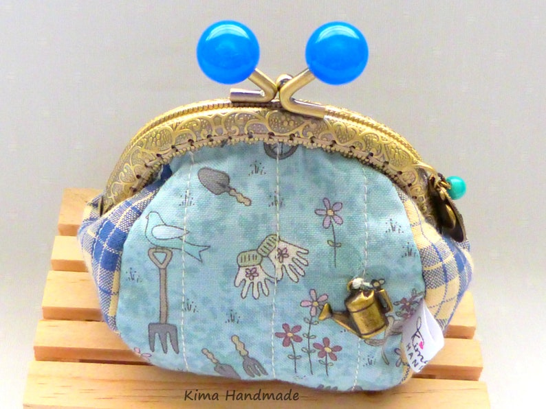 handmade cloth purse coin carrier Wallet with apple print small purse gift woman wallet purse with mouthpiece