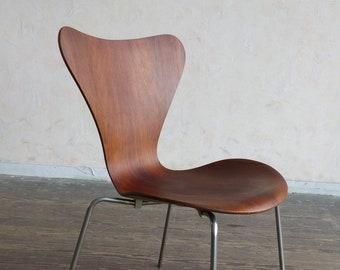 Arne Jacobsen 3107 Rosewood chair