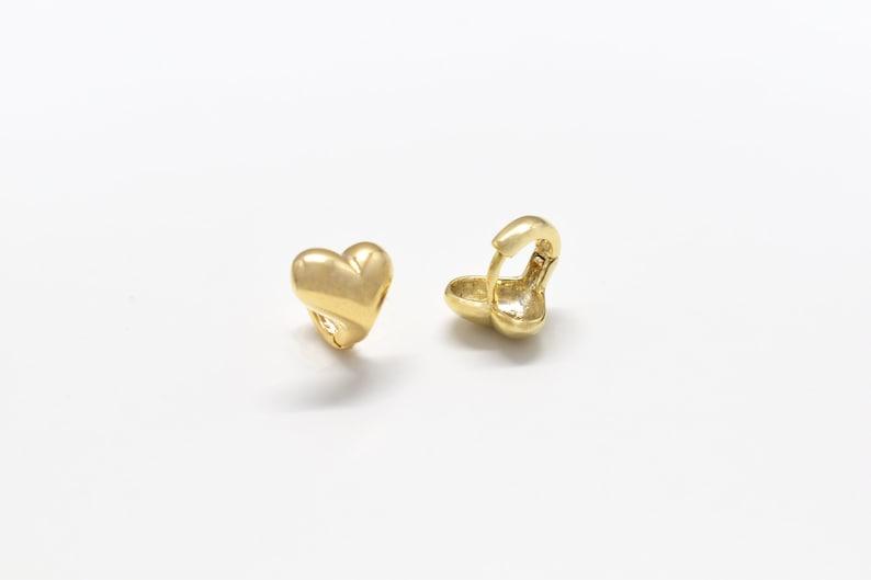 2pcs Nickel free 11mm wide Heart earrings Heart 10x8mm EK-38G 16K shiny gold plated brass