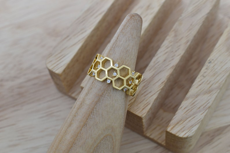 Cubic zirconia Enhanced gold plating RW-29G Ring 16K shiny gold plated brass Honeycomb finger ring Inner 16.5mm 9mm wide