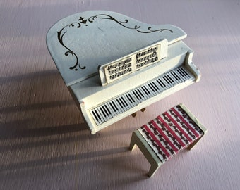Lundby piano with stool (1:18)