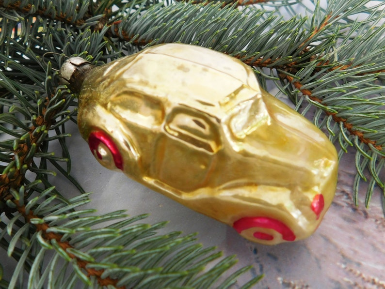 Which Country Hosts Striezelmarkt A Christmas Market Thats Been Held Since 1434.Car Christmas Ornaments