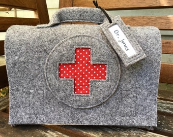 Children's doctor's case, doctor's bag, doctor bag, travel pharmacy, first aid suitcase, optional with name plate, light grey wool felt