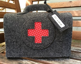 Children's doctor's case, doctor's bag, doctor bag, travel pharmacy, first aid suitcase, optional with name plate, dark grey wool felt