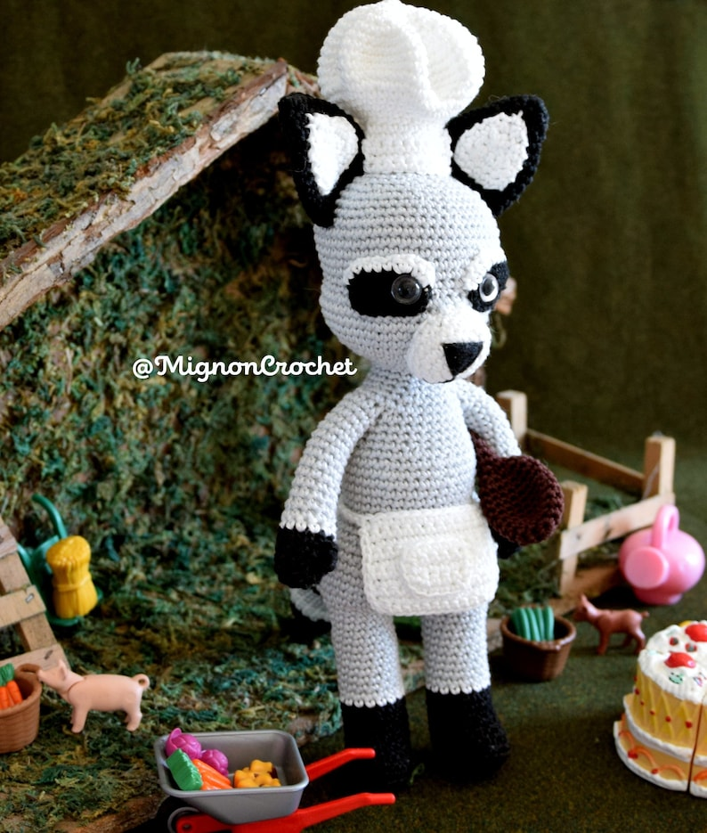 Raccoon Amigurumi, Jr. Rakku - Free Crochet Pattern | Craft Passion | 935x794