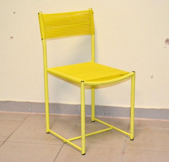 Spaghetti d'Italie alias chaise chaise années 70 design vintage chaise enfant enfants jaune jaune space age MoMA art moderne Giandomenico Belotti