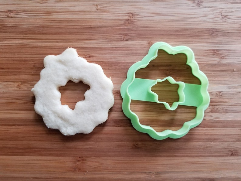 Cookie Decorating Cupcake 3d printed with SHARP EDGES Sugar Cookies Christmas Wreath #1 Cookie Cutter Fondant