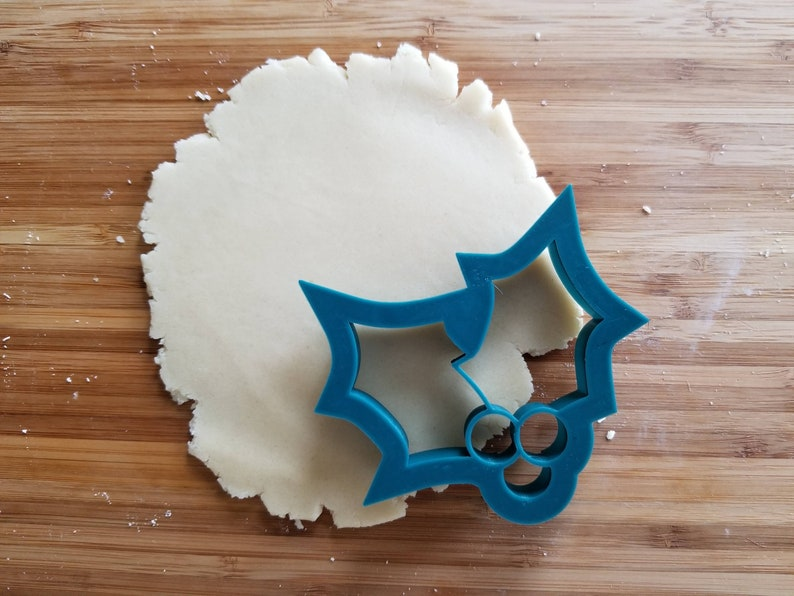 Cupcake Fondant Holly #1 Outline Cookie Cutter Cookie Decorating Sugar Cookies 3d printed with SHARP EDGES