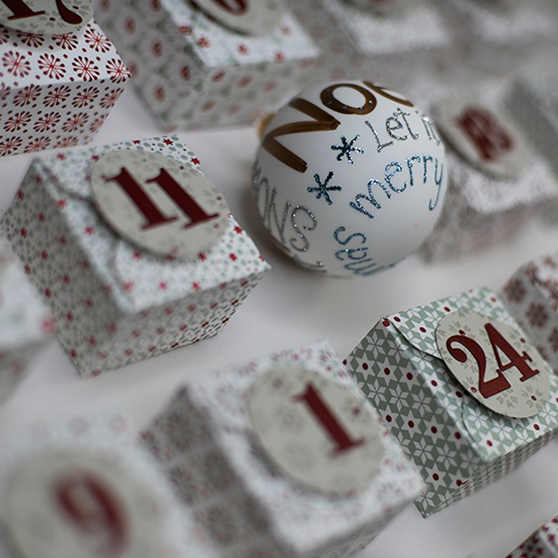 Advent calendar in picture frame image 0