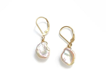 Orecchiette keshi pearl earrings